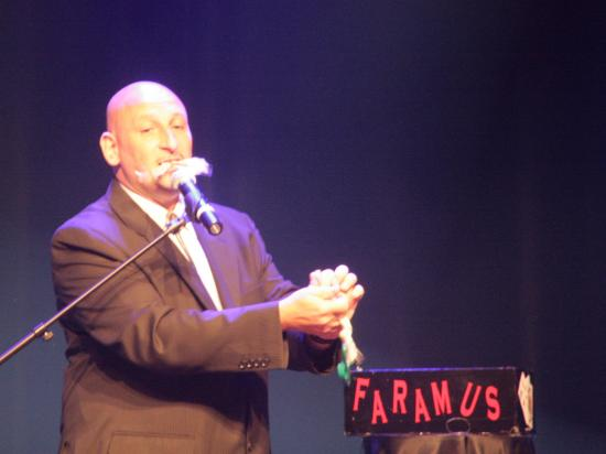 Faramus au Prestige Palace